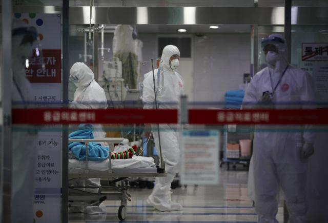 [속보] 대구 해외 입국자 유증상 호소 30명…현재 검사 중