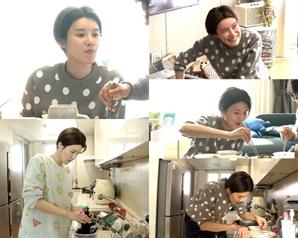 '나 혼자 산다' 장도연, 母 생일 잔칫상 준비…스릴 넘치는 요리 실력