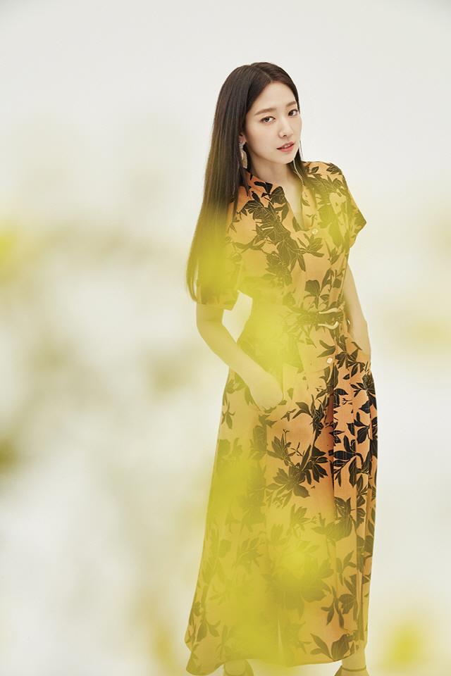 박신혜, 꽃보다 더 예쁜 싱그러움…한눈에 반해버리겠네