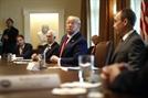 물거품이된 트럼프의 부활절 경제활동 재개 희망