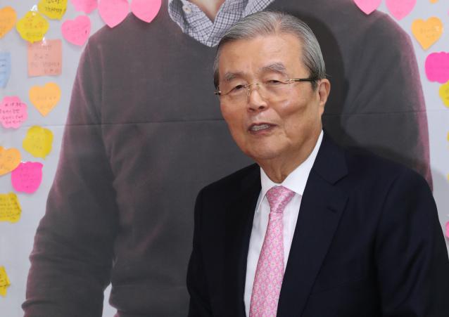 '나경원 지원사격' 김종인 '정치 판사들 갑자기 출마…초반 판세 신경 안 써'
