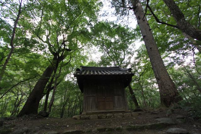 [오색인문학] 400년 세월 견디며 '신령한 성황당' 지키다