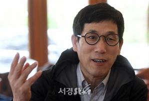 """진중권 """"사기꾼 이철과 MBC의 콜라보…세상은 이렇게 만들어진다"""""""