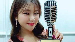 """송가인, 진도 봄꽃처럼 상큼한 미소와 함께 """"우승했어라∼"""""""