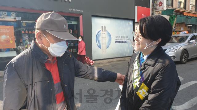 """신지예 """"서대문은 한국의 잘못된 양당제 보여줘…586 정치 깨겠다"""""""