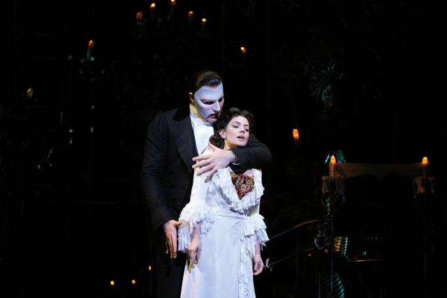 뮤지컬 '오페라의 유령' 코로나19 확진자 여파로 22일까지 추가 공연중단