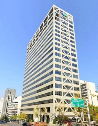 [시그널] 논현동 두산빌딩 매각 주관사에 JLL·에비슨영