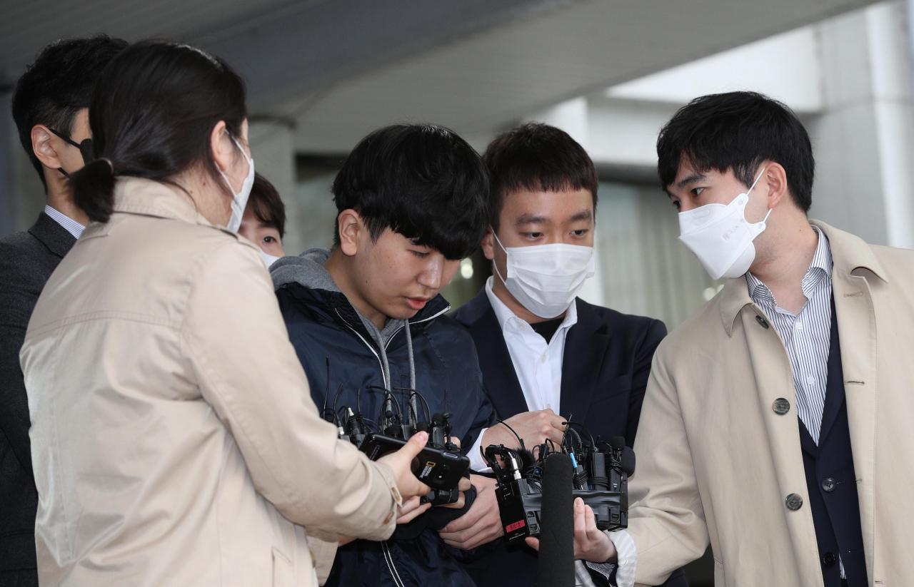 박사방 '부따' 강훈 구속기소…조주빈 도와 암호화폐 2,600만 원 현금화했다