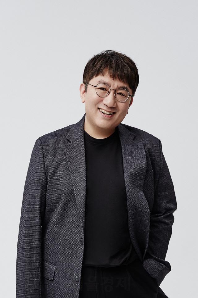 방시혁 빅히트 의장, 빅히트-CJ ENM 공동 프로젝트 '아이랜드' 프로듀서로 참여
