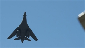 괌 배치 미군 B-1B 전략폭격기 또 한반도 인근 비행