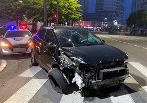 '와장창창' 부산서 만취운전하던 30대 가드레일 들이받아 10m 파손