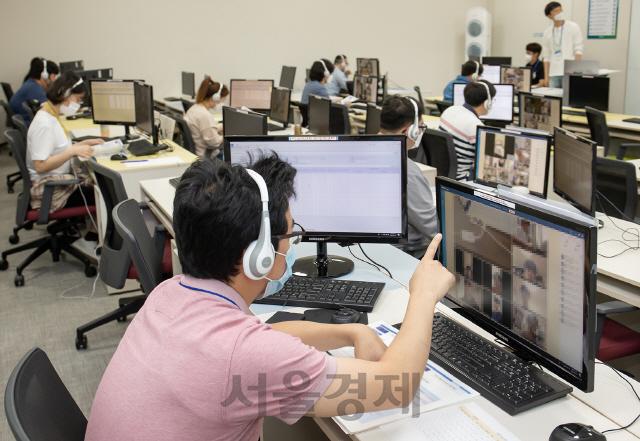 '부정행위 NO' 매의 눈으로 '삼성고시' 살펴보는 삼성전자 직원들