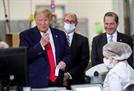 대선 바라보는 트럼프, EU·中에 또 관세 위협