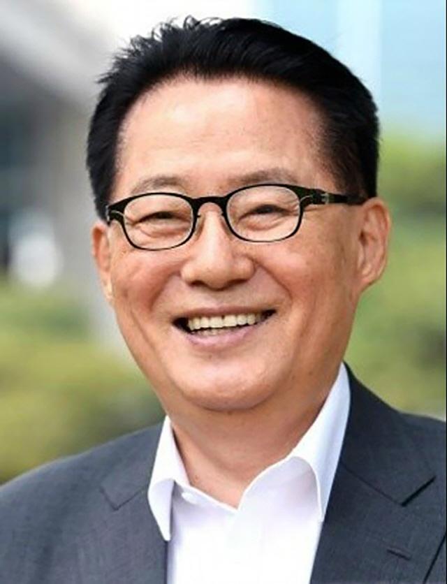 대선 땐 '문모닝'이었던 박지원 '文대통령님께 충성'