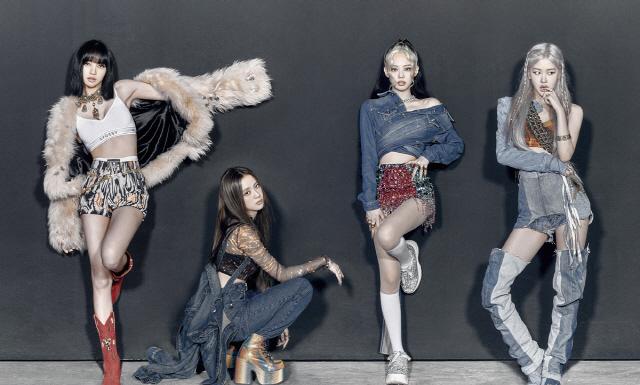 유튜브부터 차트·패션까지…블랙핑크, 컴백 일주일만에 전 세계 홀렸다