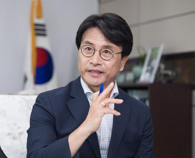 [파워 기초단체장에게 듣는다] 이재현 인천 서구청장 '지역화폐 서로e음 '시즌2'로 골목상권 살릴 것'