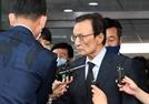 """XX 자식""…이해찬, 박원순 성추행 의혹 묻자 ""예의 없다"" 분노(종합)"