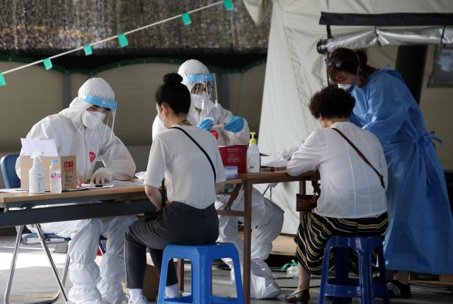 (속보) 코로나19 신규확진자 35명 …지역발생 20명·해외유입 15명