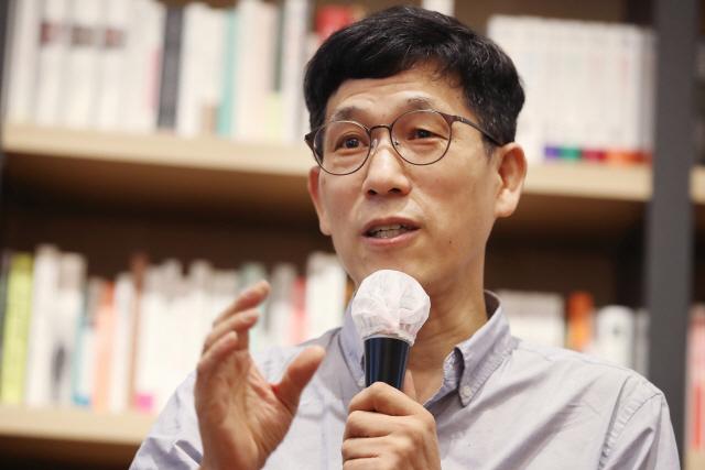 (종합)진중권, 최민희 전 의원 향해 '입 닥치고 조문이나 해라'