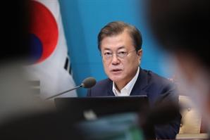 """박원순 사태에 입 연 靑...""""2차 가해 중단 부탁"""""""