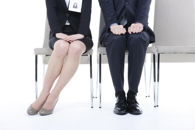 """""""이젠 '취린이' 아닌 '취른이'입니다""""…취업준비하다 늙어가는 청년들"""