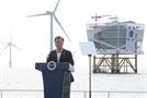 """[속보]그린뉴딜 첫 현장 찾은 文 """"2030년 '세계 5대 해상풍력 강국'으로 도약"""""""