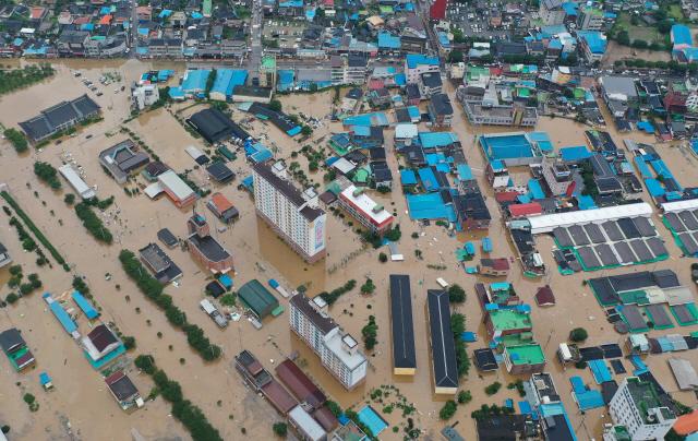 폭우 피해 추스르기도 전에…태풍 '장미' 내일 남해안 상륙