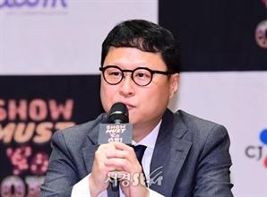 질문에 답하는 예주열 CJ ENM 본부장