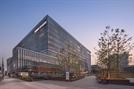 [건축과도시] 4,200개 루버로 '정중동'의 미학 담은 '이대서울병원'