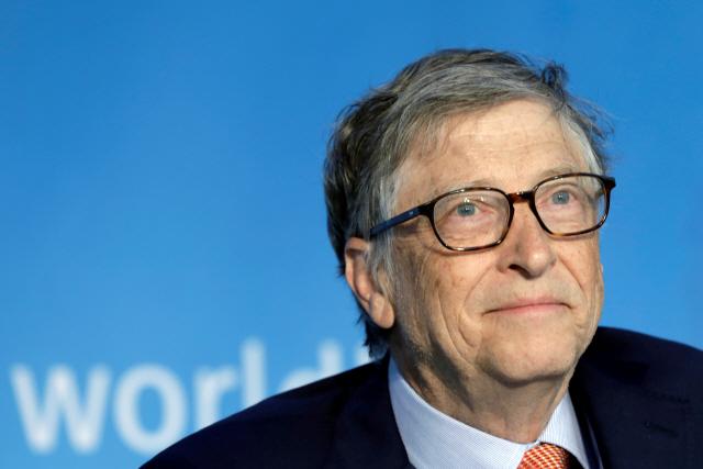 빌 게이츠 '10월까지 백신 개발 안될 것…화이자, 긴급 사용 승인은 가능'