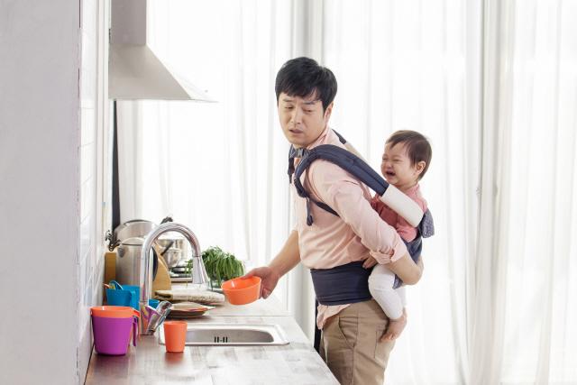 한국은 10일인데, 핀란드 63일·프랑스 28일…'아빠 출산휴가' 문화적 차이?