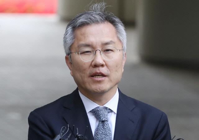 '대통령 임기 5년인데…' 최강욱, '국회의원 3선까지만' 개정안 대표 발의