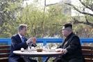 [뒷북정치] 北김정은은 왜 하노이에서 결별한 文 구하기 나섰나