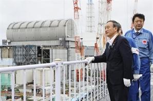 """""""후쿠시마 오염수 처리 조만간 결정"""" 日스가의 선택은"""