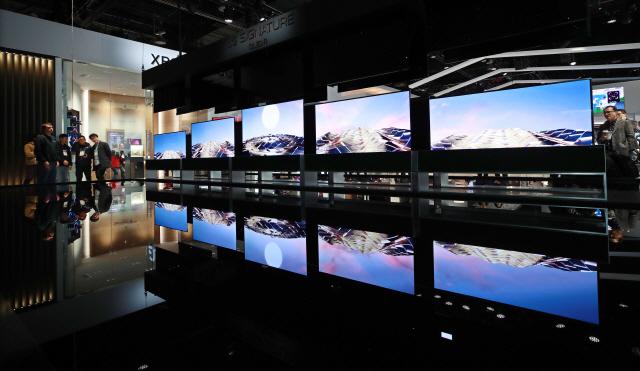 LG전자, 세계 첫 롤러블 TV 내달 출격