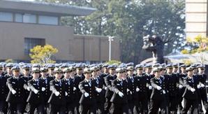 대머리는 안 돼?···해군사관학교 불합격 기준 논란