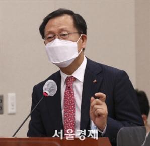 """김종갑 한전 사장 """"전기料 연료비 연동제 도입 적극 공감"""""""