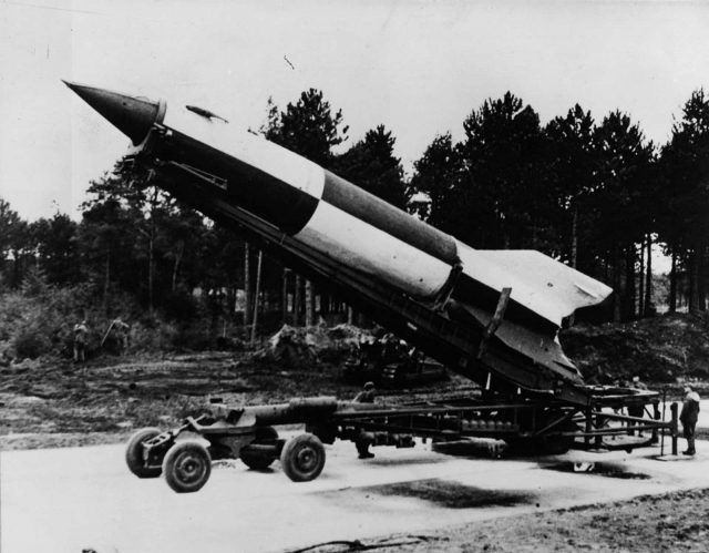 '전쟁의 반대말은 창조' 8분만에 보는 무기 개발의 역사 (영상)