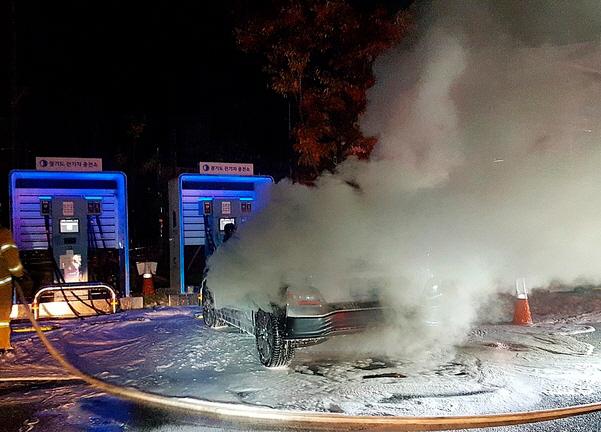 배터리 충전 중 '펑!'…'코나 전기차' 또 화재