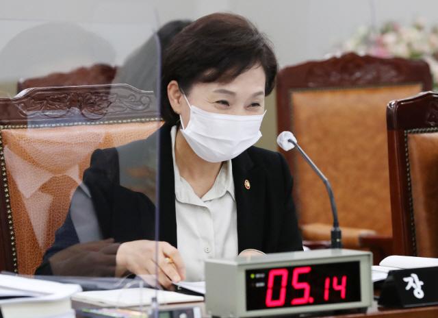 '자승자박 덫' 홍남기·김현미도 전세난 '사과'…그게 끝인가