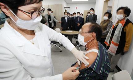 독감백신 사망 전국 14명 넘어서…당국 '인과관계 없다' 답변만