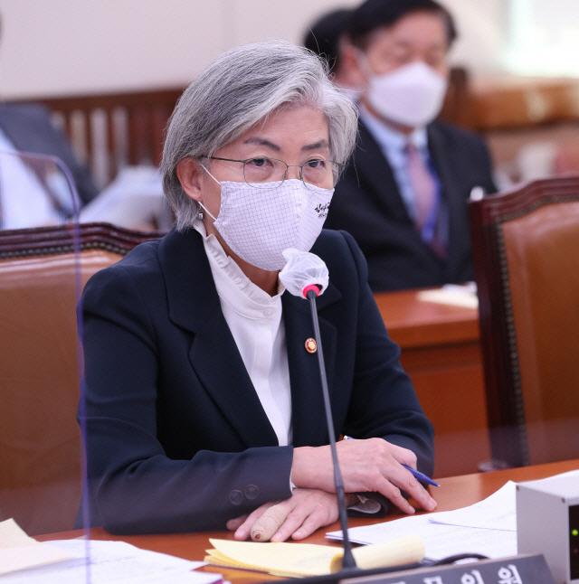 유승준 '엄연한 인권침해, 입국 허락을'…강경화, '비자 불허' 방침에 호소글