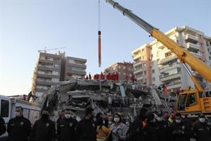 """외교부 """"터키·그리스 지진으로 현재까지 한국인 피해 없어"""""""