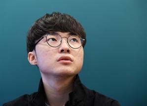 """[이사람]'페이커' 이상혁 """"은퇴는 게임이 재미없어지는 날…아직은 게임이 재밌다"""""""