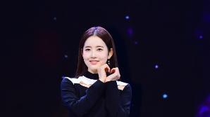 """[SE★현장] 배우에서 걸그룹으로…스테이씨 시은 """"오랜 시간 준비한 데뷔 설렌다"""""""