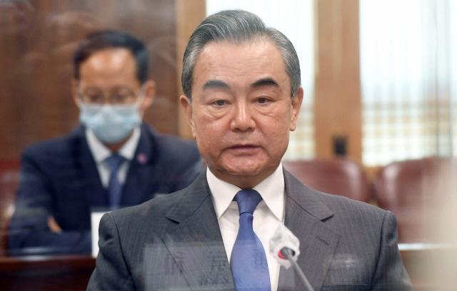 中매체 '왕이 방한, 美 압력에도 깊어진 한중관계 반영'