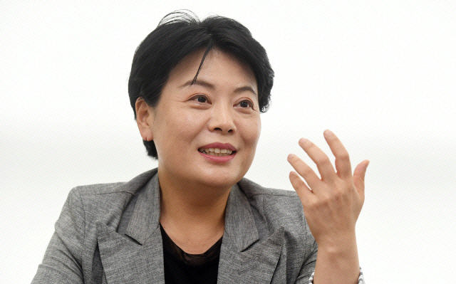 추미애 '윤석열 직무배제' 명령에 윤희숙 '오만한 권력, 민주화 시계 거꾸로 돌려'