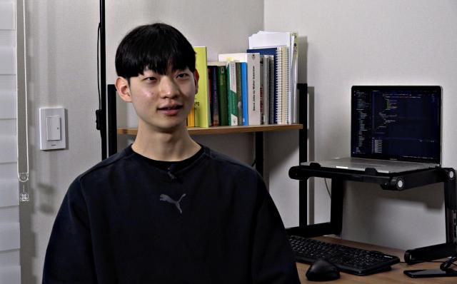 누적 조회수만 2억 '코로나 라이브' 만든 20살 학생 개발자(영상)