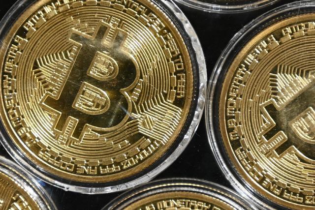 금 대체하나…비트코인 3만2,000 달러도 돌파