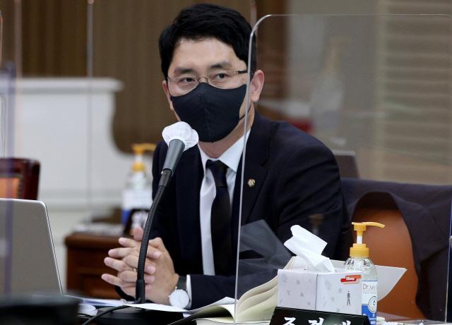 국민의힘 성추문 비판한 민주당 '2차 가해성 발언 멈춰라'